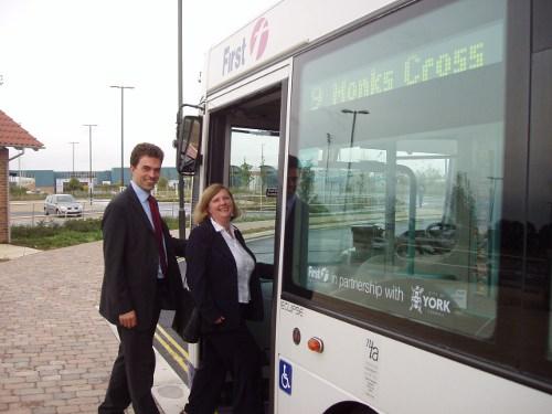 tom-brake-and-ann-with-bus.JPG