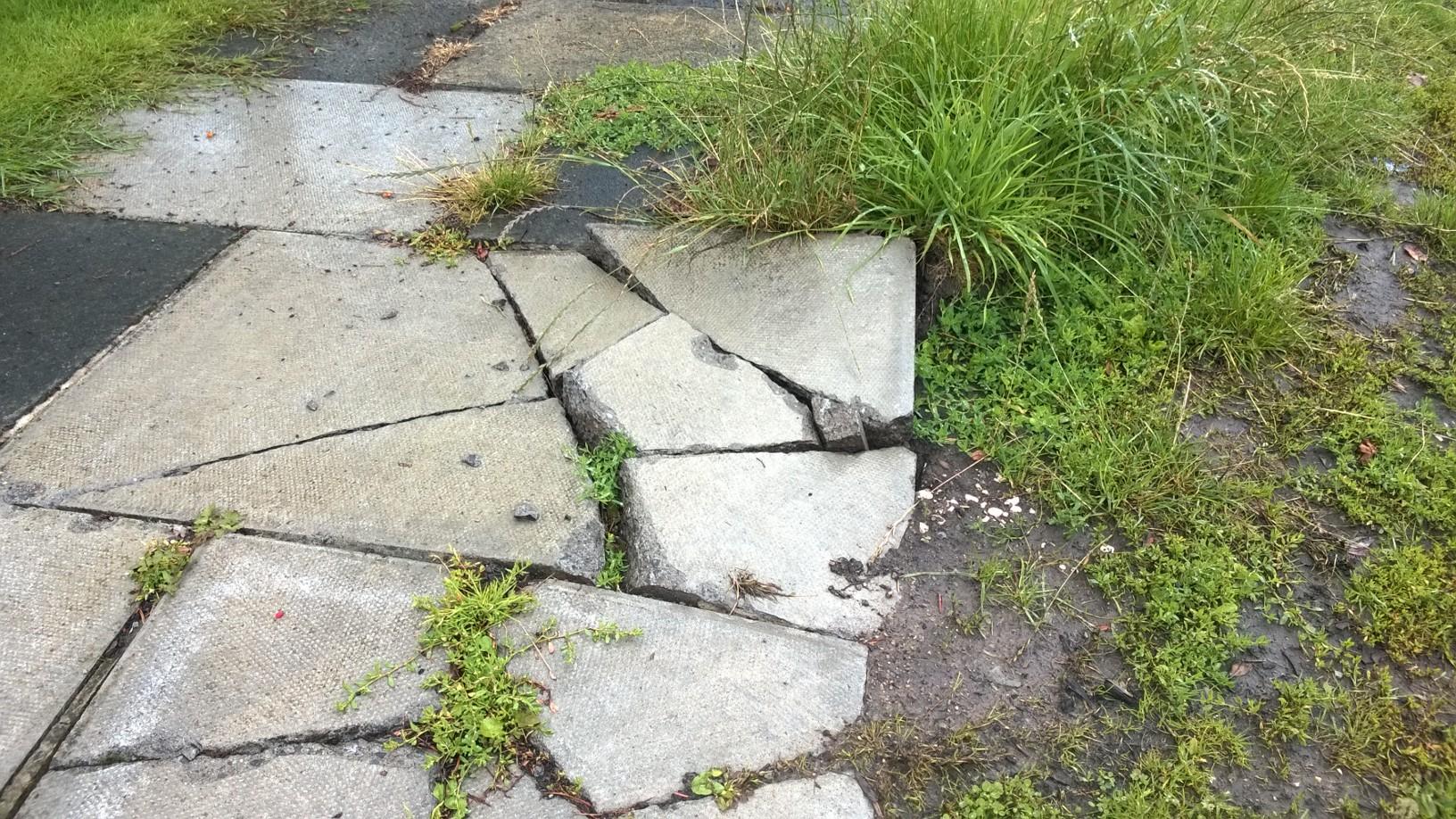 Aldersyde pavement