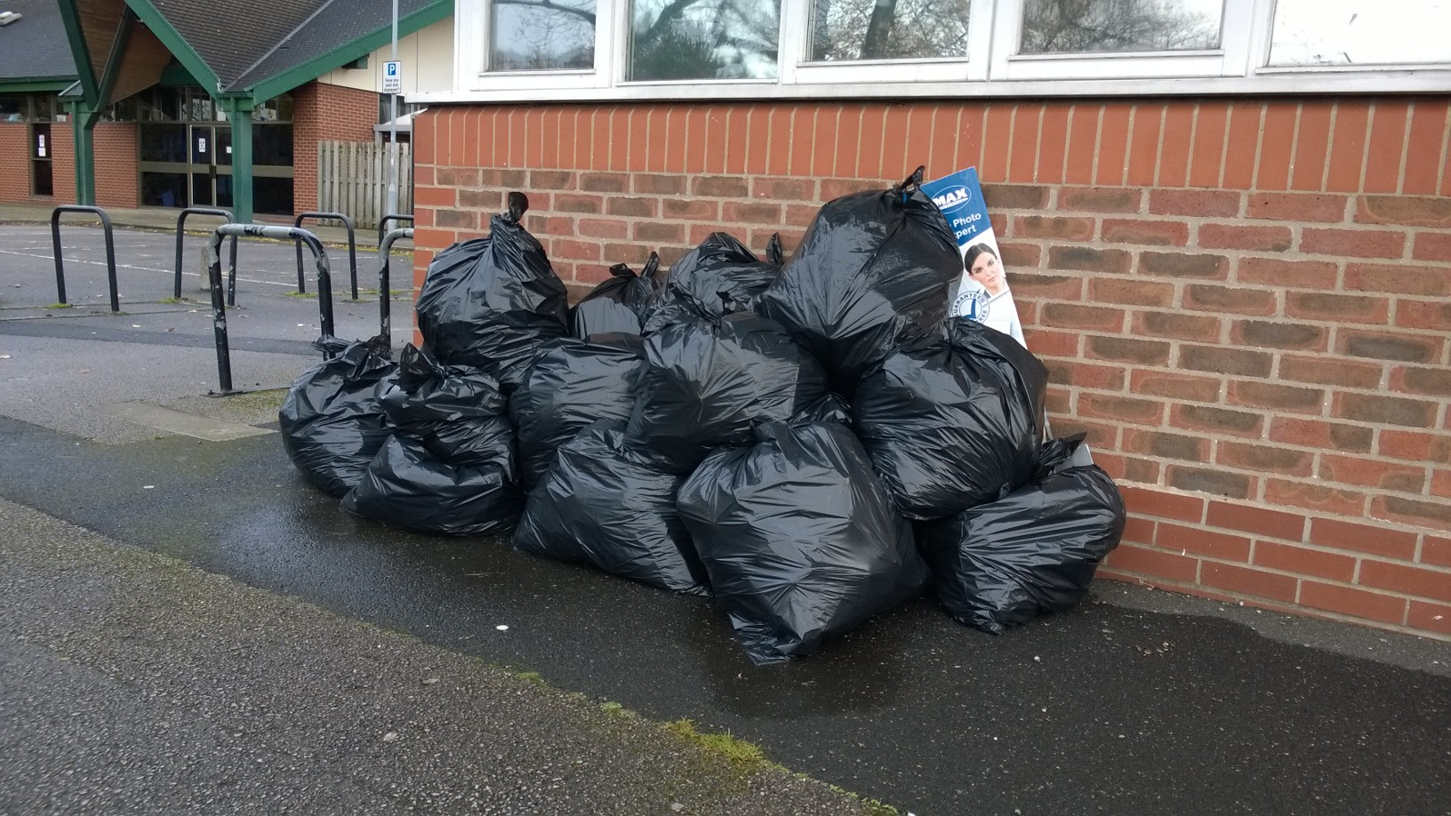 24 bags of rubbish were collected